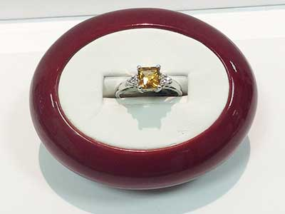 colored-rings-jewelry-2